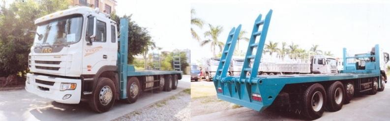 Xe JAC 5 chân nâng đầu chở máy công trình