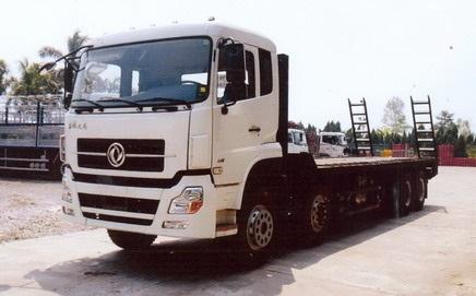 Xe Dongfeng 5 chân nâng đầu chở máy công trình
