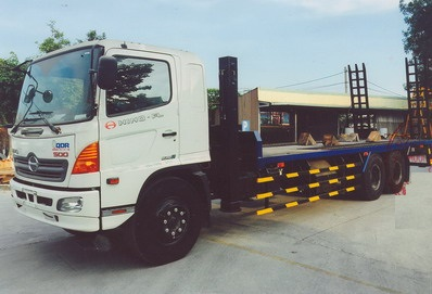 Xe phooc Hino 3 chân 14 tấn chở máy công trình