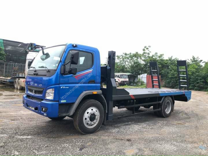 xe nâng đầu chở máy 2 chân Fuso trọng tải 6,8 tấn